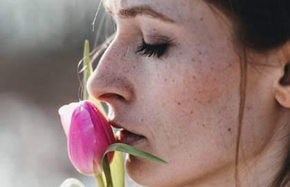 O peso da ferida aberta: quando a vítima se transforma em algoz