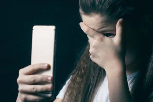Assédio contra crianças na Internet