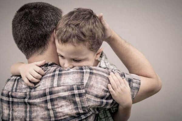 A importância de pedir desculpas às crianças