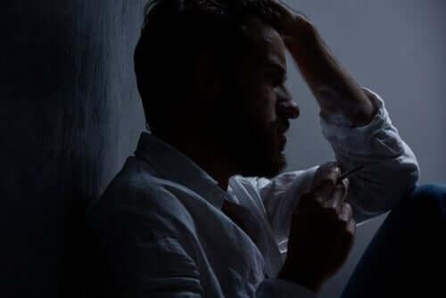 Homem enfrentando depressão