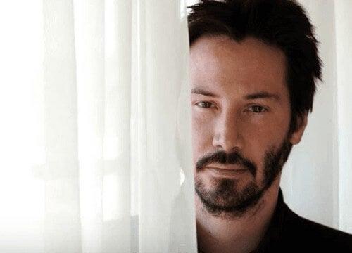 Keanu Reeves, biografia de uma celebridade diferente