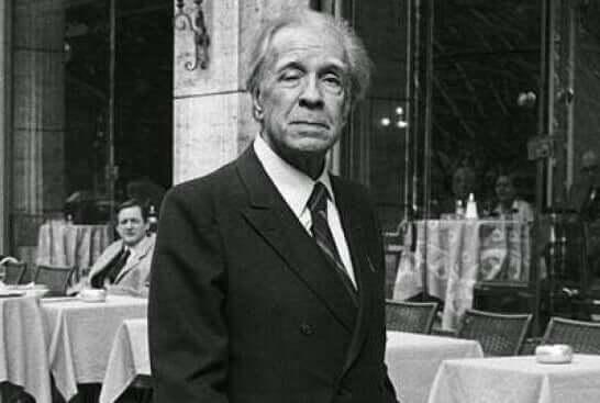 Jorge Luis Borges em preto e branco