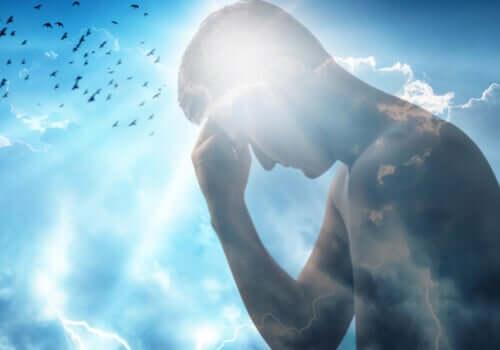 Reflexo de homem no céu