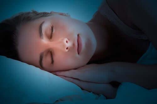 No que o cérebro trabalha enquanto dormimos?