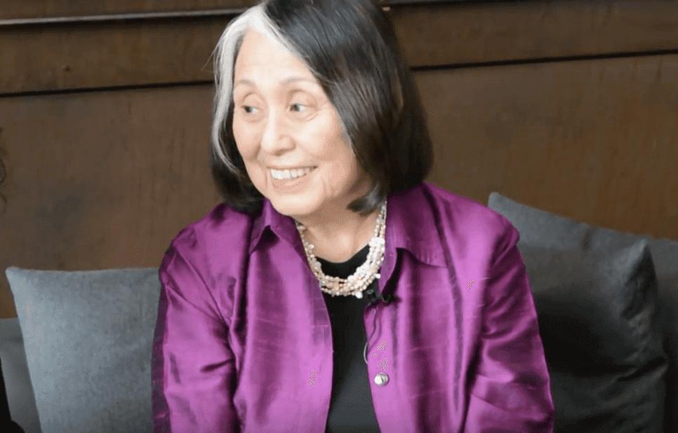 Biografia de Jean Shinoda Bolen, uma mulher corajosa e espiritual