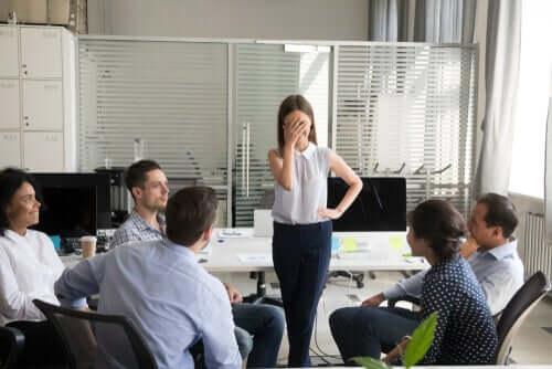 Princípio de Dilbert: a razão pela qual os incompetentes ascendem no trabalho
