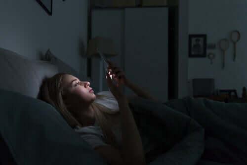 Os dispositivos eletrônicos e as alterações do sono