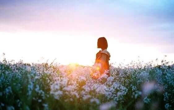 Garota no campo