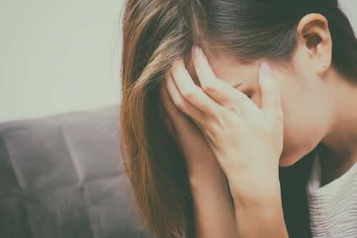 Mulher triste com sua vida