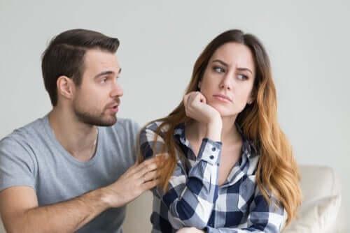 Como detectar o engano, segundo Paul Ekman