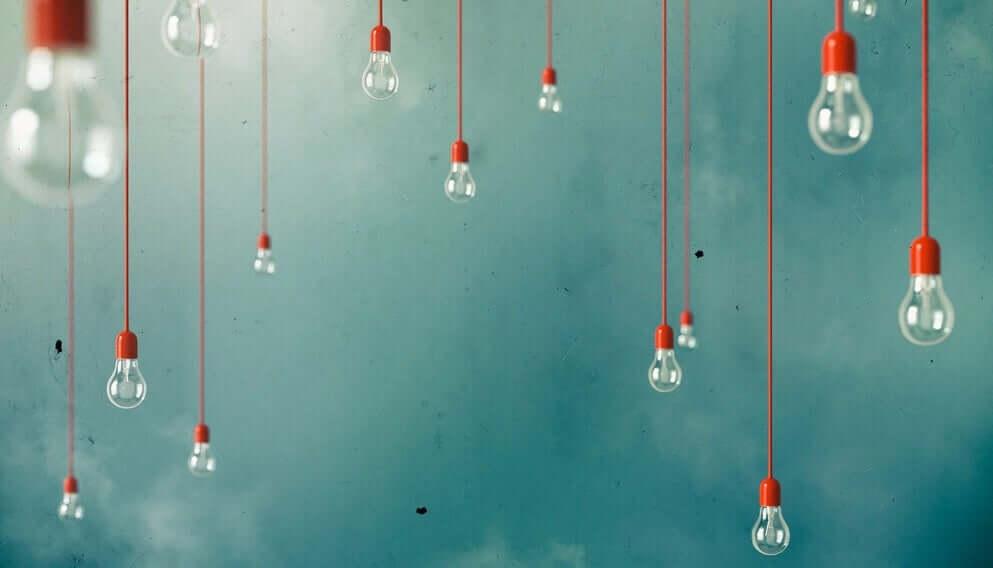 Lâmpadas penduradas representando ideias