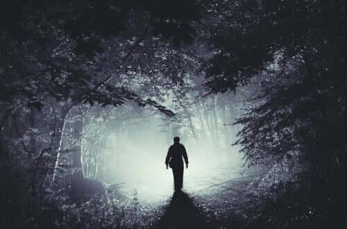 A maldade do homem: a terceira ideia irracional de Ellis