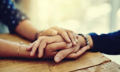 Oferecer apoio emocional