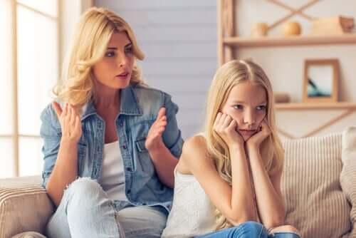 O que acontece com as crianças que têm pais que exigem demais?
