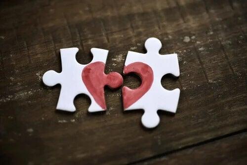 5 sentimentos que parecem amor, mas não são