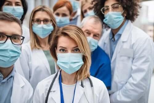 Profissionais da saúde contra o coronavírus
