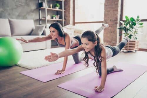 Os benefícios dos exercícios online para as crianças
