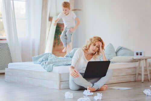 É possível fazer home office com crianças?