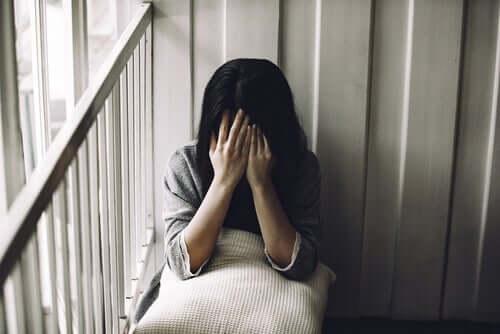 Mulher com problemas de autoestima