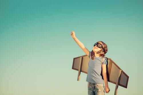 Criança sonhando em voar