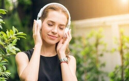 Os sons binaurais são benéficos?