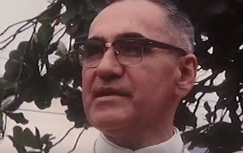 Biografia de Monsenhor Arnulfo Romero, um santo contemporâneo
