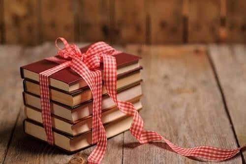 Se você ama alguém, dê um livro de presente para essa pessoa