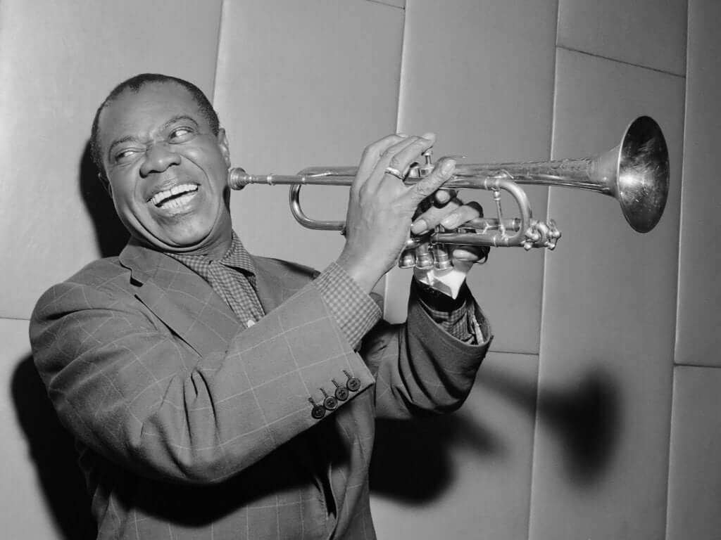 Biografia de Louis Armstrong, o gênio do jazz