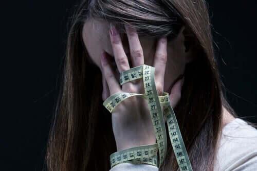 Mulher com anorexia