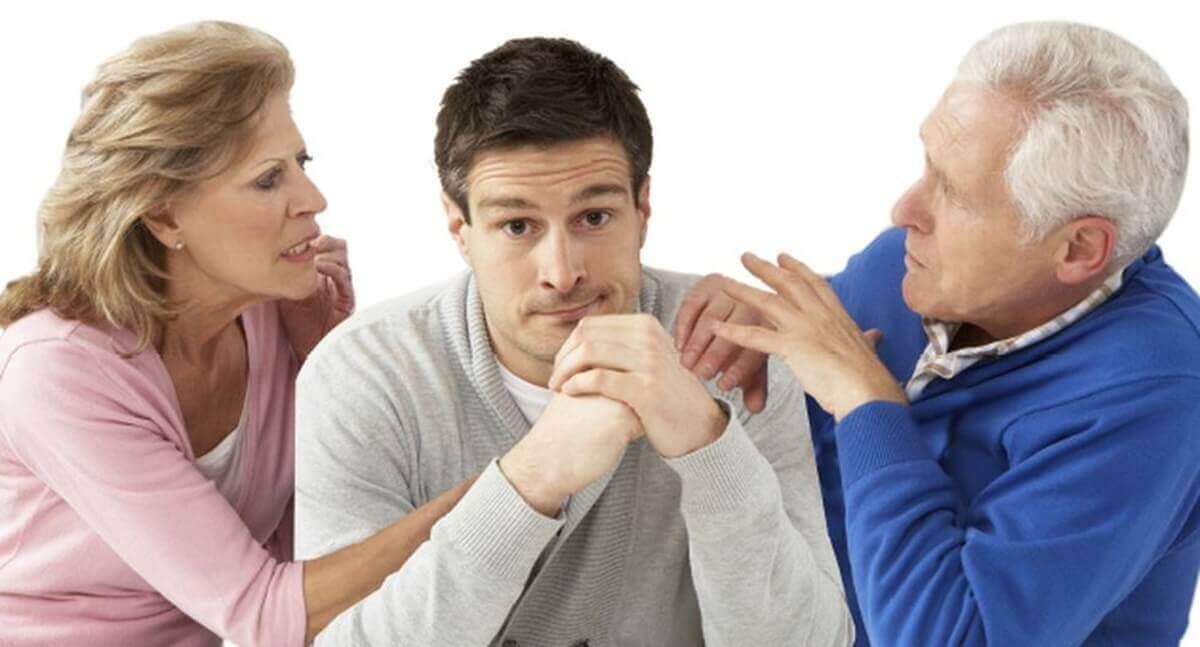 Pais que controlam seus filhos adultos