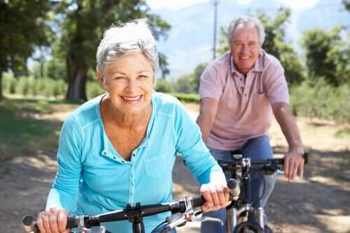 """Existe um grupo da população idosa que apresenta um desempenho superior em relação a outras pessoas de sua idade.Essas pessoas são chamadas de """"superagers"""""""
