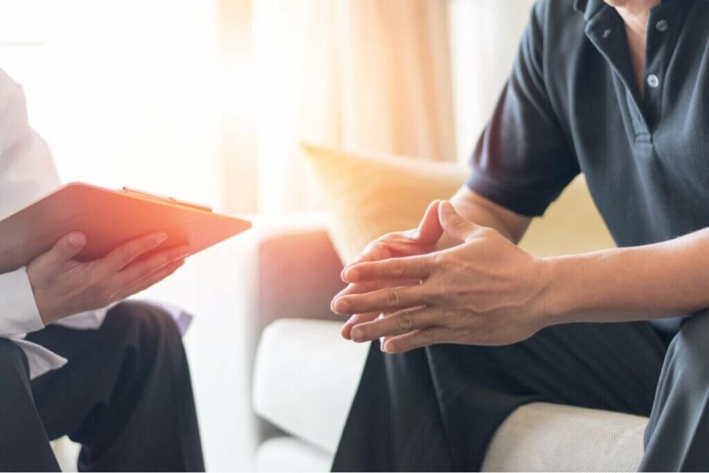 Paciente e psicólogo em terapia