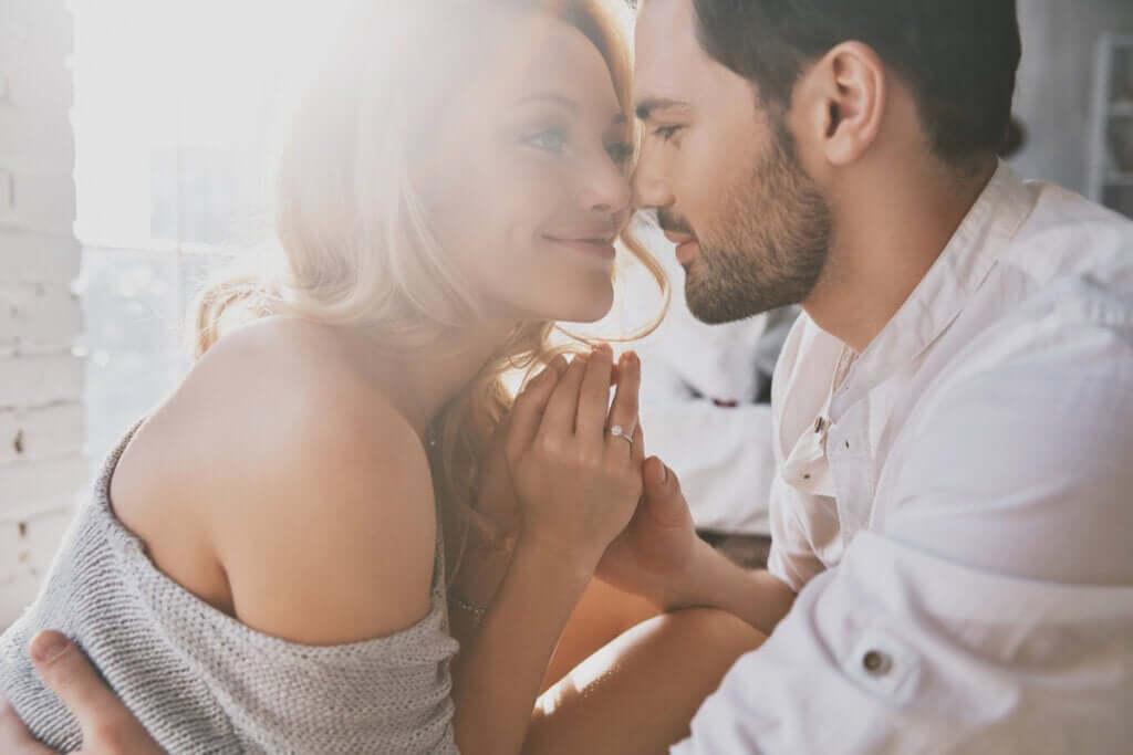 A intimidade nos relacionamentos: confiar e se entregar