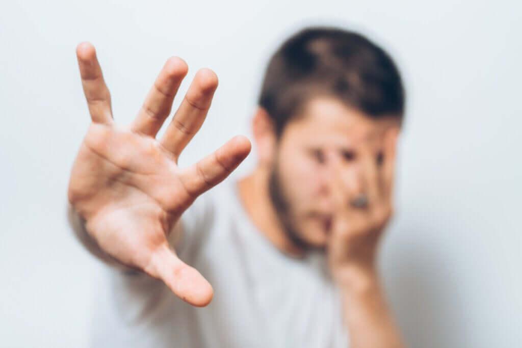 Teoria de dois fatores de Mowrer: é assim que seus medos funcionam