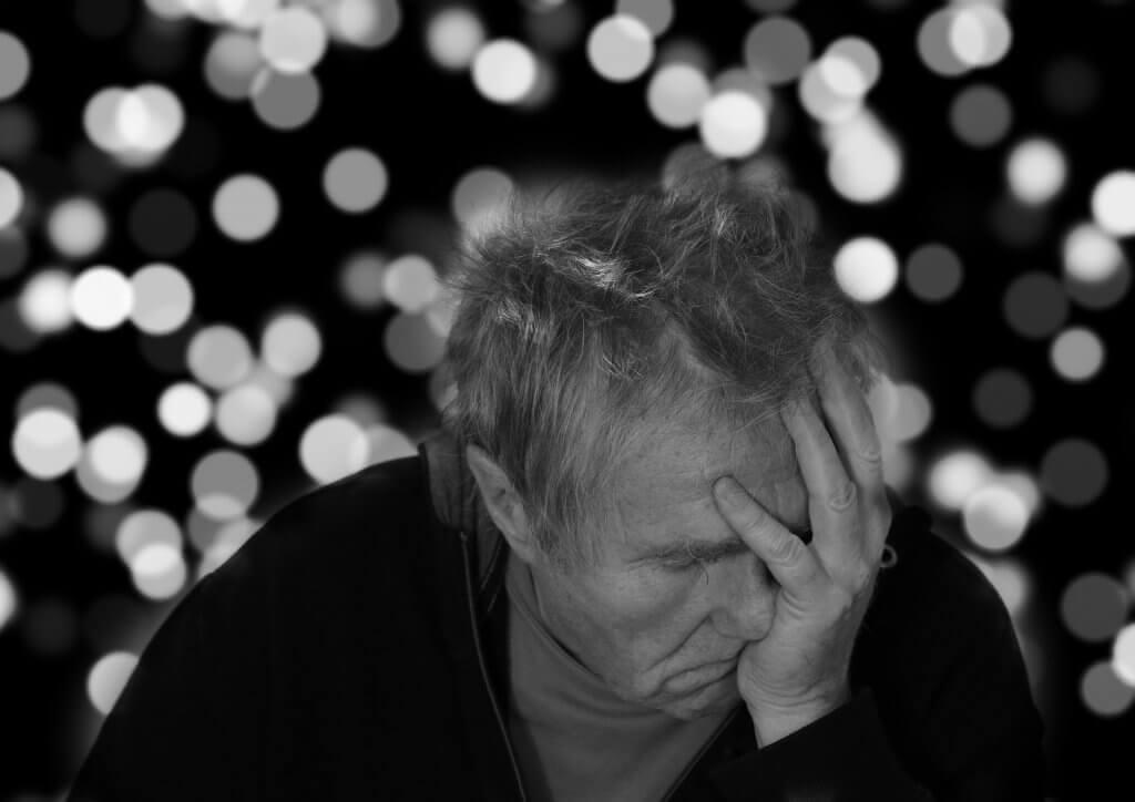 Quais são os sintomas da doença de Pick?