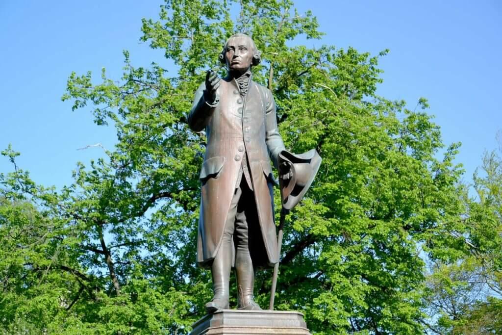 Estátua de Kant