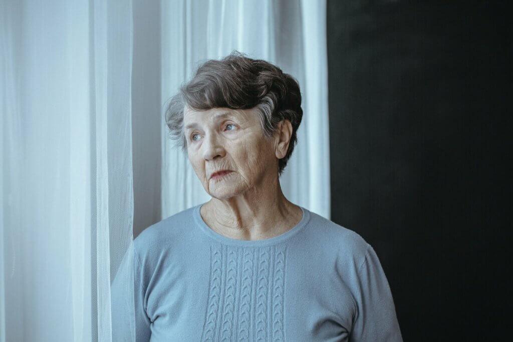 Senhora com Alzheimer