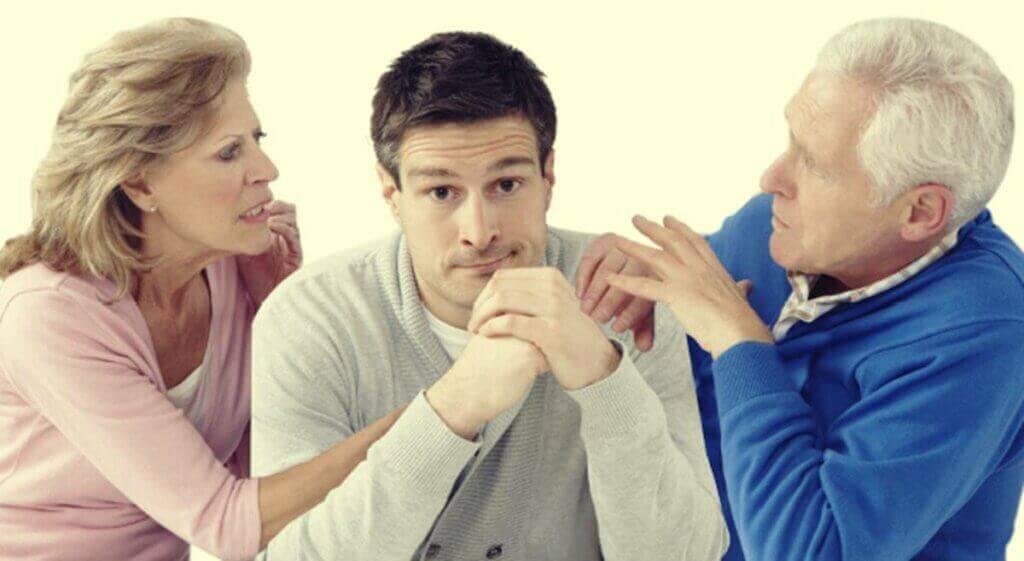 Brigas entre os pais na vida adulta