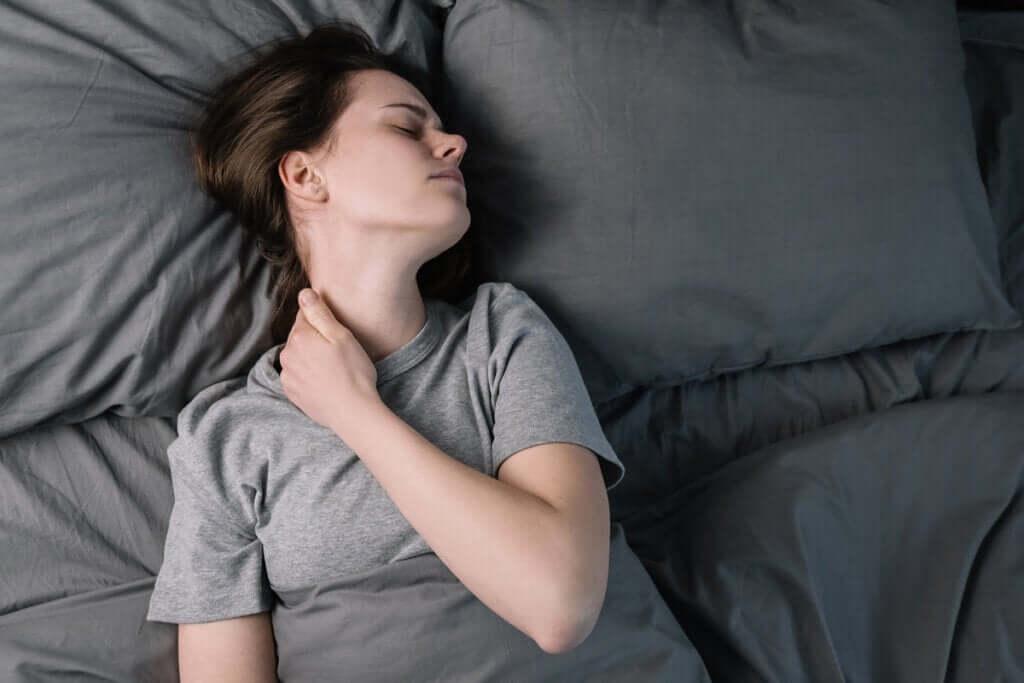 Dormir com dor crônica