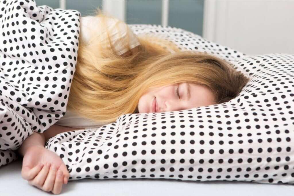 Dormir até o meio-dia: por que alguns adolescentes dormem tanto?