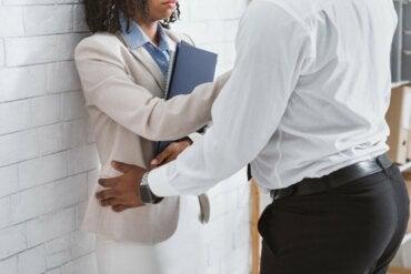 O que fazer diante do assédio sexual no trabalho?