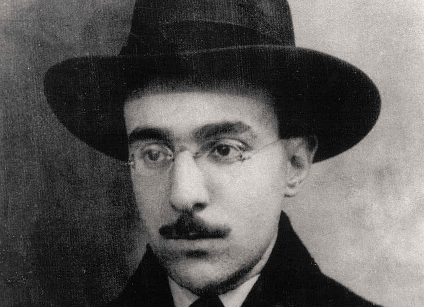 Fernando Pessoa, a biografia de um escritor múltiplo