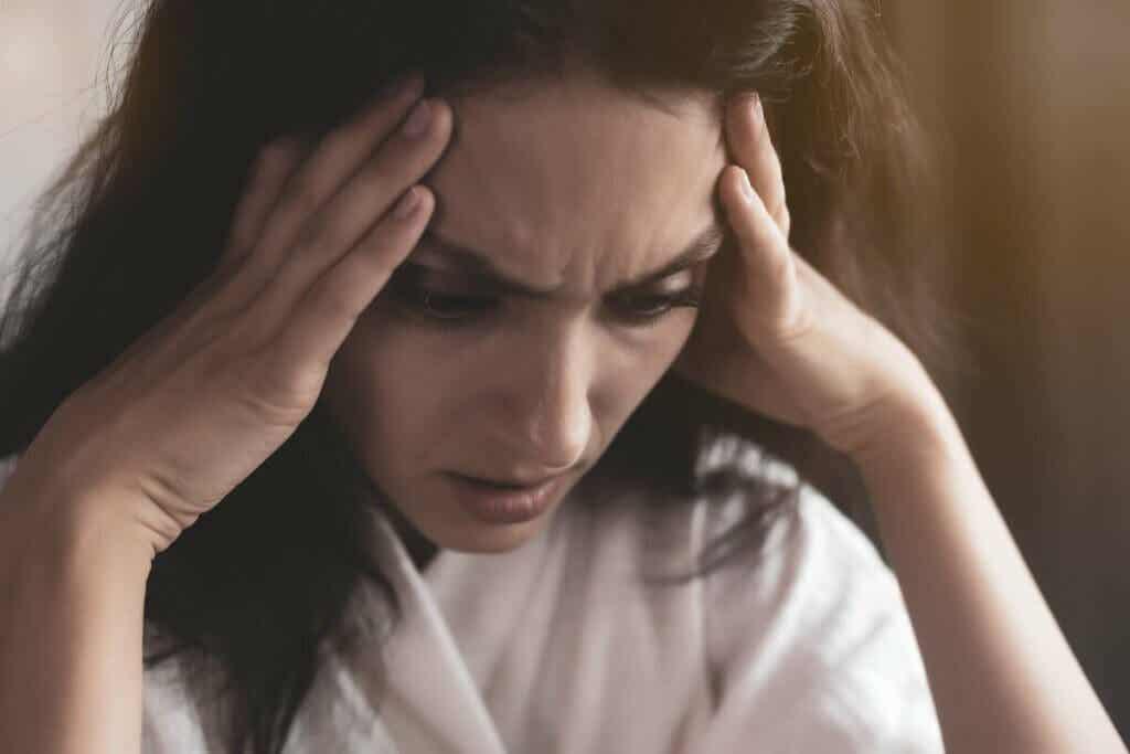 Mulher enfrentando ansiedade
