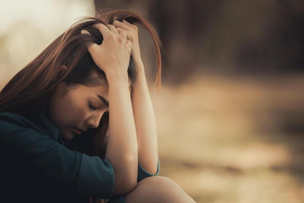 Mulher entrando em desespero
