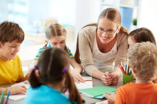 Por que o conceito de andaime é tão importante na educação?