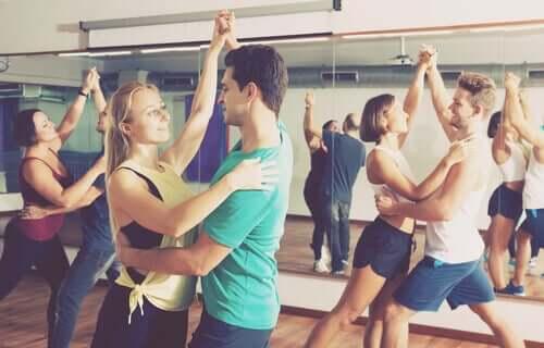 5 benefícios da dança para a saúde física e mental