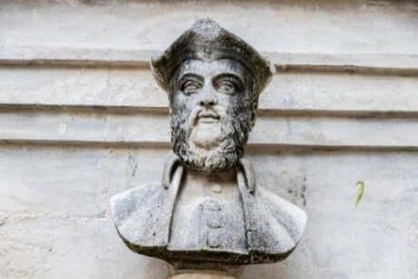 Busto de Nostradamus