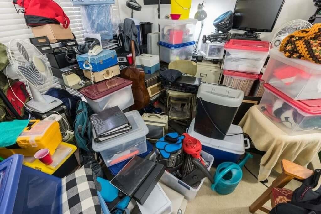 Por que algumas pessoas se tornam acumuladores compulsivos?