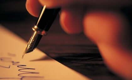 Notas de agradecimento escritas à mão: o poder do detalhe