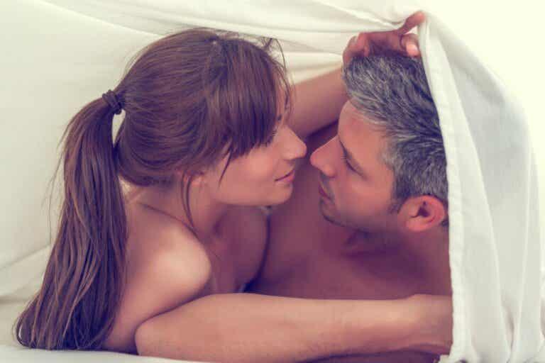 Sexo tântrico: em que consiste, benefícios e exercícios